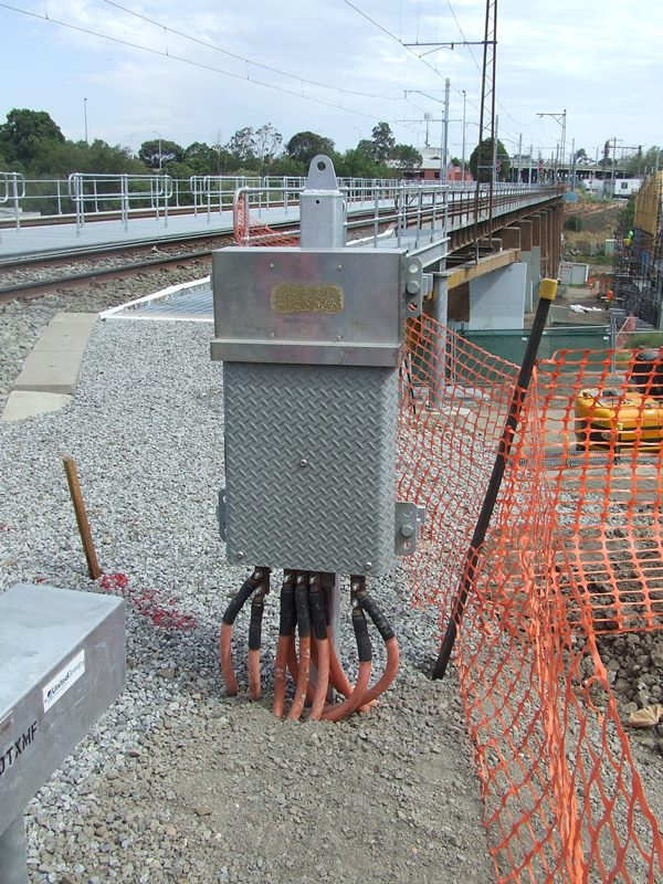 install and wire signal equipment